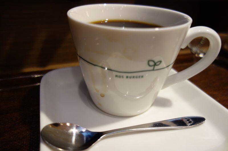 モスバーガーで頼んだコーヒーのカップが汚れていたのは何かの間違いだと思う02
