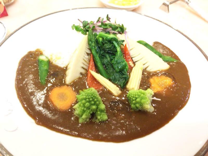 【美容】美味しいサンマルコの春野菜カレーはヒアルロン酸入り!?03